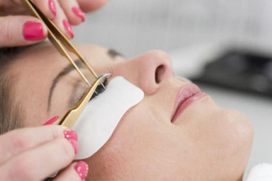 Einzelwimpern Verlängerung - Kosmetikstudio in Wiesbaden