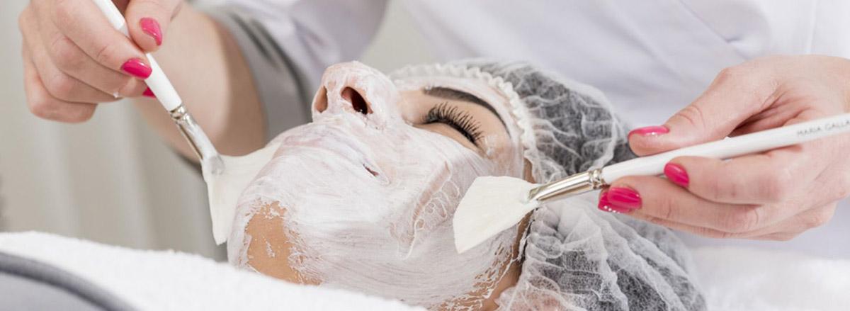 Kosmetische Gesichtsbehandlung - Mikrodermabrasion in Wiesbaden
